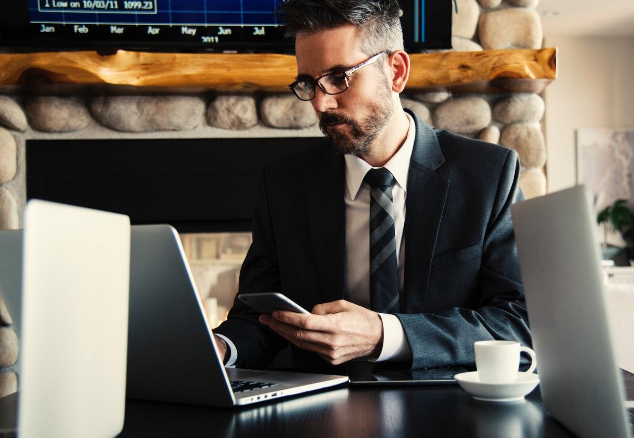 Devenir rédacteur ou correcteur en ligne